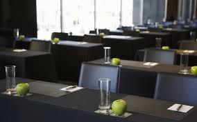 Prazni stoli